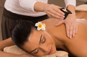 Massage mit Massagekerze